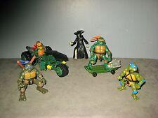 Lot 5 Figurines TORTUES NINJA + 1 Trike/moto + 1 Skate