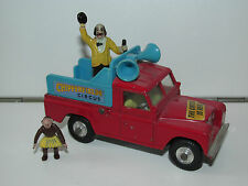 VINTAGE CORGI TOYS 487 CHIPPERFIELD'S CIRCUS LANDROVER PARADE VEHICLE COMPLETE