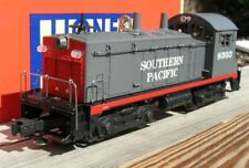 LIONEL SOUTHERN PACIFIC DIESEL SWITCHER W/BELL MIB 6-18503