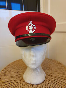 BRITISH ROYAL ARMOURED CORPS PEAKED HAT AND BADGE SIZE 56