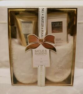 Baylis & Harding Sweet Mandarin & Grapefruit Slipper & bath gift set (BNIB)