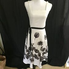 Beautiful White with Black Floral Summer Dress, sz, 6, Fast shipping