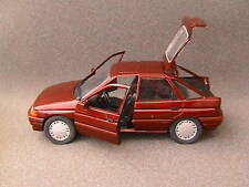 Ford Escort Ghia Berline 4 portes SCHABAK 1/24 Dark Red Rouge Sombre Metal