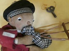 VINTAGE TOY WIND UP SCOTTISH BAGPIPE MUSICANT FABRIC ORIG. KEY CZECHOSLOVAKIA
