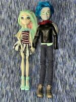 Monster High Garrott Du Roque and Rochelle Goyle Love in Scaris