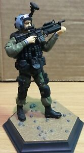 SPECIAL FORCES FIGURE # 2 WITH BASE 1/15 SCALE