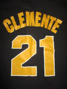Cooperstown Collection ROBERTO CLEMENTE No. 21 PITTSBURGH PIRATES (LG) T-Shirt