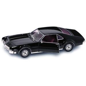 1966 OLDSMOBILE TORONADO BLACK 1/18 DIECAST MODEL CAR BY ROAD SIGNATURE 92718