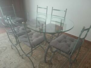 tavolo in ferro battuto e cristallo con 6 sedie