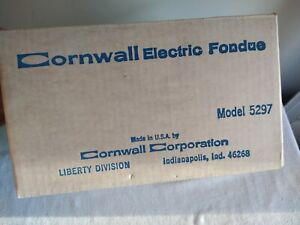 Vintage Cornwall Electric Fondue Set. Avocado Green Pot. 1970's. In original Box