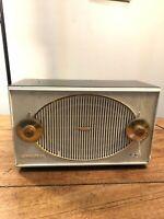 Vintage Walton Admiral FM radio Y0361 Mid century vintage tube radio