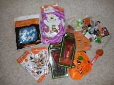 Lot of Halloween Decorations: School party prizes, favors: Cake Decorating Kit +