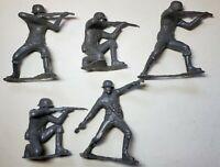 VINTAGE 1963 LOUIS MARX 5 GERMAN GRAY SOLDIERS IN GOOD SHAPE