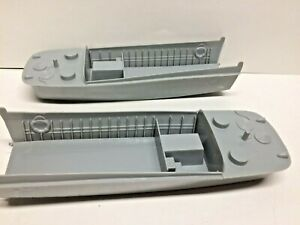 BMC - 2x WWII D-Day Higgins Boat Landing Craft 1/32 Molded in Gray - EUC
