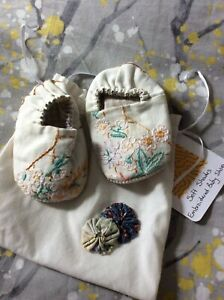 Handmade Embroidered Baby Shoes (0-6 Months)