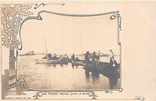 B86459 lago titicaca naturales yendo al mercado boat peru ethnics types folklore