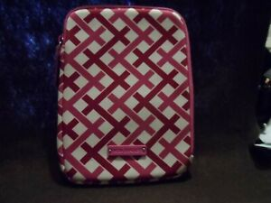 Vera Bradley neoprene Tablet sleeve in Pink and white lattice pattern