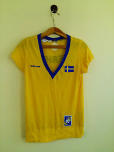 Retro Sweden National Team Football V Neck T-Shirt Women Size: 40 L