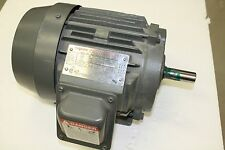 TOSHIBA 1 HP, 230/460 VOLT, 3 PHASE, 143T FRAME ELECTRIC MOTOR B0014FLF2UYW  NEW