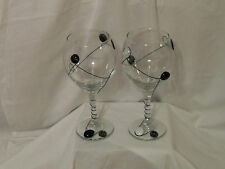 DECORATIVE 16 OUNCE WINE GLASSES (2 OF THEM)