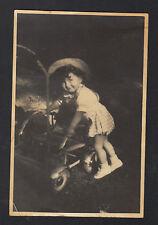 Photo Amateur / ENFANT avec POUSSETTE-LANDEAU en 1927