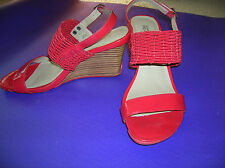 Kenneth COLE Reaction - Red Sandal - wedge - 9M