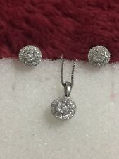 14 Kt White Gold Diamond Earring Pendant Set Free Chain