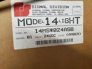 """Vintage Federal signal  Model 14 light very nice collectors amber lens """"Working"""""""