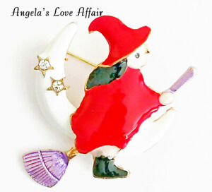 HALLOWEEN SPOOKY GOLD CRYSTAL ENAMEL WITCH RIDING ON A BROOMSTICK BROOCH BADGE