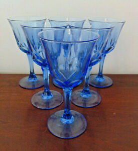 """6Pc set Blue Wine Glass  7.5"""" Tall Leaf and Button Pattern  VGC"""