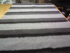 VET BED NON-SLIP GREY TRIPLE STRIPE 5M X 1.52M(NEW)
