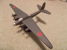 Built 1/144: Soviet PETLYAKOV PE-8 Bomber Aircraft USSR
