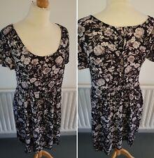 H&M ~ Pretty Black Floral Patterned Tea Dress ~ UK Size 8 ~ Spring / Summer~VGC