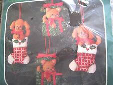 Bucilla FELT Applique Holiday ORNAMENT Craft Kit,CHRISTMAS PUPS & KITTENS,82173