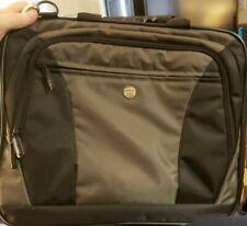 TARGUS Laptop Computer Messenger Bag/Briefcase Black Canvas Shoulder Strap