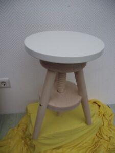 Manis-h Hocker aus massivem Holz, weißer Sitz NEU