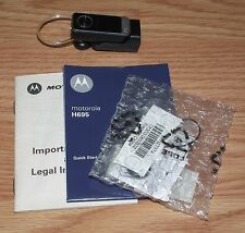 *FOR PARTS* Motorola (H695) Black Ear-Hook Bluetooth Ear Headset *NEW OLD STOCK*