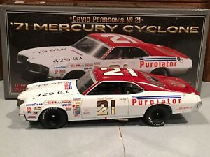 Autographed University of Racing 1971 David Pearson #21 Mercury Cyclone 1/24