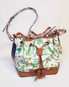 New Dooney & Bourke White Floral Daffodils Hobo Bucket Tassel Bag.New With tags.