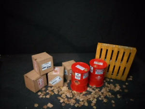 1/18  Palette Barrels  Shipping Boxes Painted Diorama Accessories