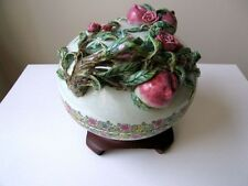 CHINESE PORCELAIN BOWL WITH WOOD STAND AND OPEN TOP