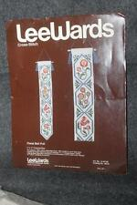 VINTAGE LEE WARDS CROSS STITCH W/ INSTRUCTIONS CLOTH AD THREAD FLORAL BELL PULL