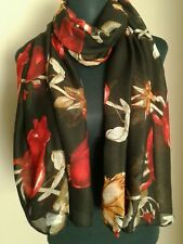 Ladies Large Red Rose Floral Print Black Scarf. BNWT