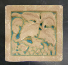Muresque Vintage Tile Leaf with Berries California