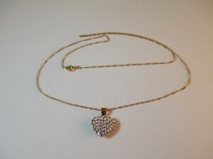 """VERY PRETTY CLEAR STONE """"HEART"""" PENDANT SET IN 9ct GOLD ON AN 18"""" 9ct GOLD CHAIN"""