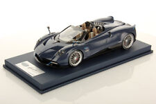 LookSmart Pagani Huayra Roadster Blue Tricolore with Showcase 1/18
