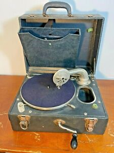 Nice Early Portable Carryola Master Phonograph 1920's Crank Antique BEAUTY!