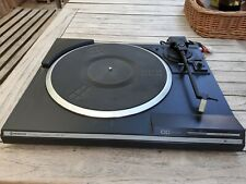 Hitachi - Musikanlage: Plattenspieler, Radio, Verstärker, Kassettendeck, 2 Boxen