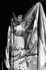 More details for dame shirley bassey hand signed 6x4 photo goldfinger autograph memorabilia + coa