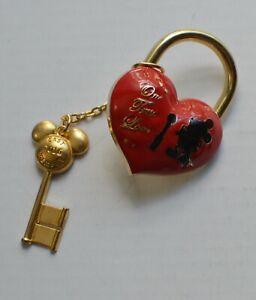 Pin 114139 Cast Exclusive - One True Love - Valentine's Day